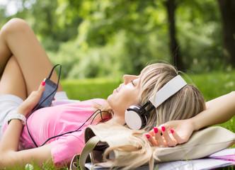 il Narratore Audiolibri propone un catalogo di oltre 2000 titoli